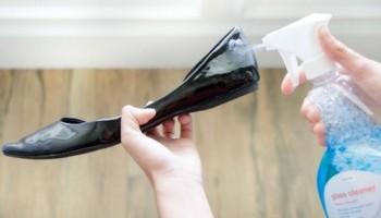Уход за лаковой обувью: как убрать потертости и царапины на туфлях