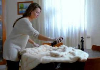 Как правильно почистить норковую шубу, чтобы не испортить мех: что можно и нельзя делать в домашних условиях